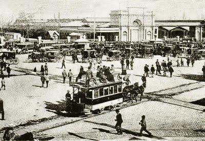 Carro de sangre frente a la Estación Central, c1880