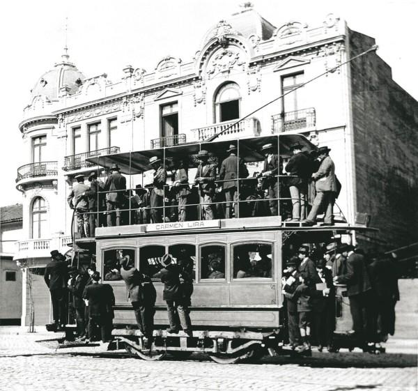 Tranvía con imperial, calle Carmen, 1916