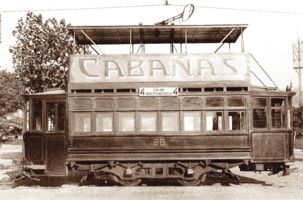 Tranvía con imperial línea Colón-Independencia, c. 1925.