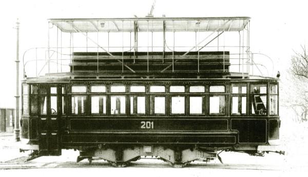 Tranvía con imperial, c. 1925.