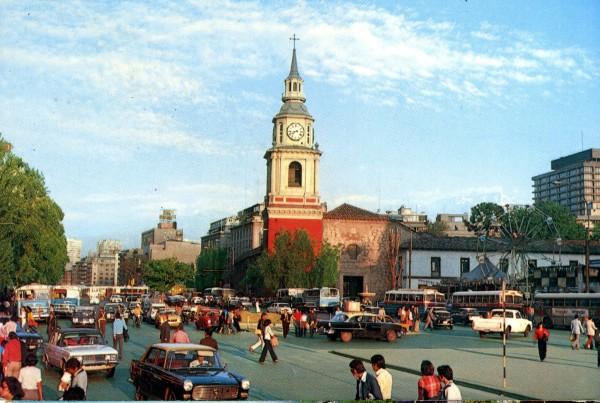 Microbuses y tráfico vehicular en Alameda, c. 1977