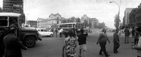 Microbuses en Alameda esquina Ahumada, c. 1976