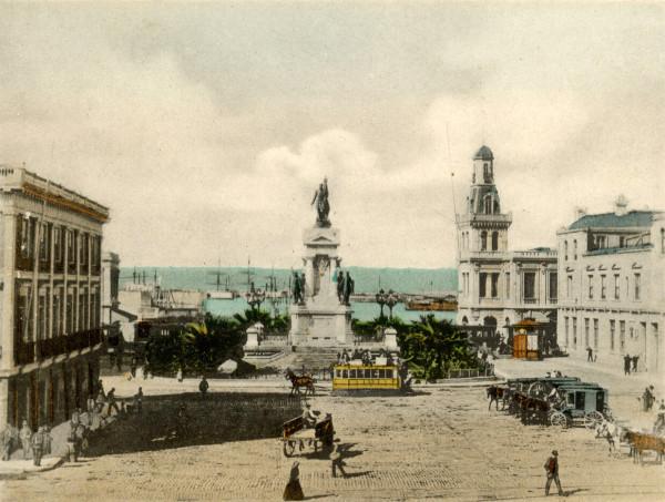 Carro de Sangre en plaza Sotomayor, c. 1900