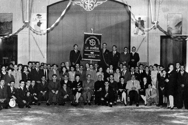 Inauguración estandarte sociedad de socorros mutuos La Guardia ENT, 1946