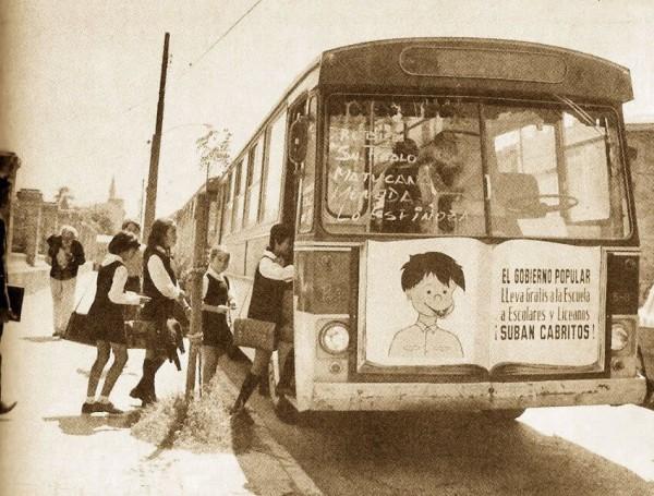 Bus Pegaso de la ETCE para transporte de escolares, c1971