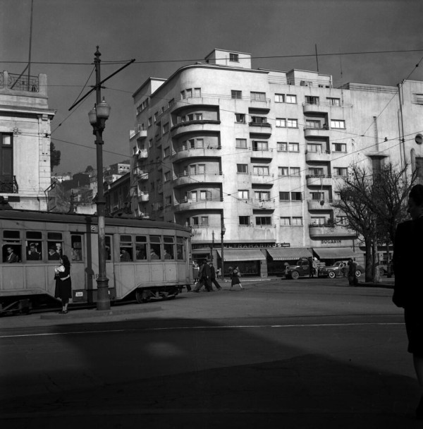 Tranvía de la ENT por plaza Victoria 1950