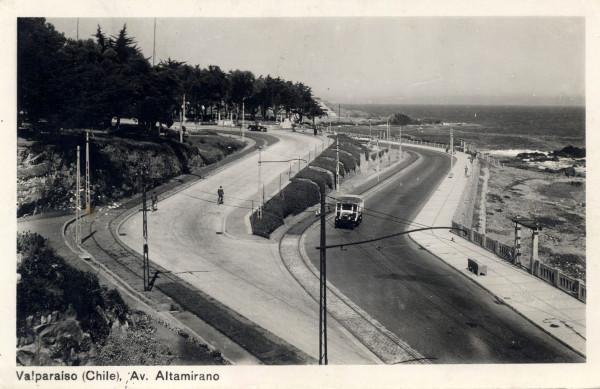 Autobús por Av. Altamirano c. 1930.