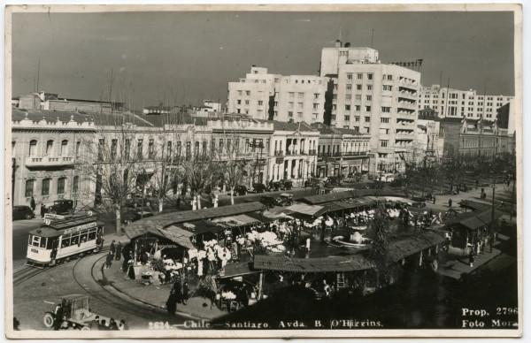 Tranvías frente a pérgola San Francisco, c. 1930