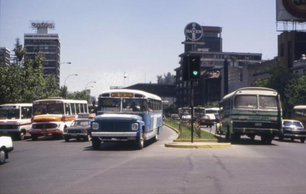 Micobuses en Alameda esquina Namur, c. 1985
